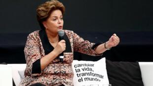 """L'ancienne présidente brésilienne Dilma Rousseff fait partie des figures de la gauche latino-américaine à être intervenue lors du """"forum de la pensée critique"""", le 19 novembre 2018. 巴西前總統羅賽夫女士"""