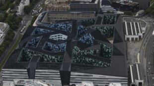 Vue aérienne du nouveau siège du ministère de la Défense, appelé «Pentagone français» ou «Balardgone» parce qu'il est situé dans le quariter de Balard. Paris, le 28 mai 2015.