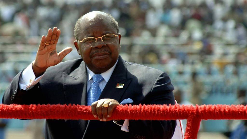 Picha ya zamani inaonyesha Rais wa zamani wa Tanzania Benjamin Mkapa, Desemba 9, 2005, wakati wa sherehe ya maadhimisho ya miaka 44 ya uhuru wa Tanzania.