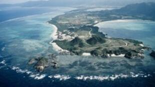 图为冲绳石垣岛远眺