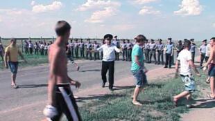 Стычки молодежи с полицией в Пугачеве