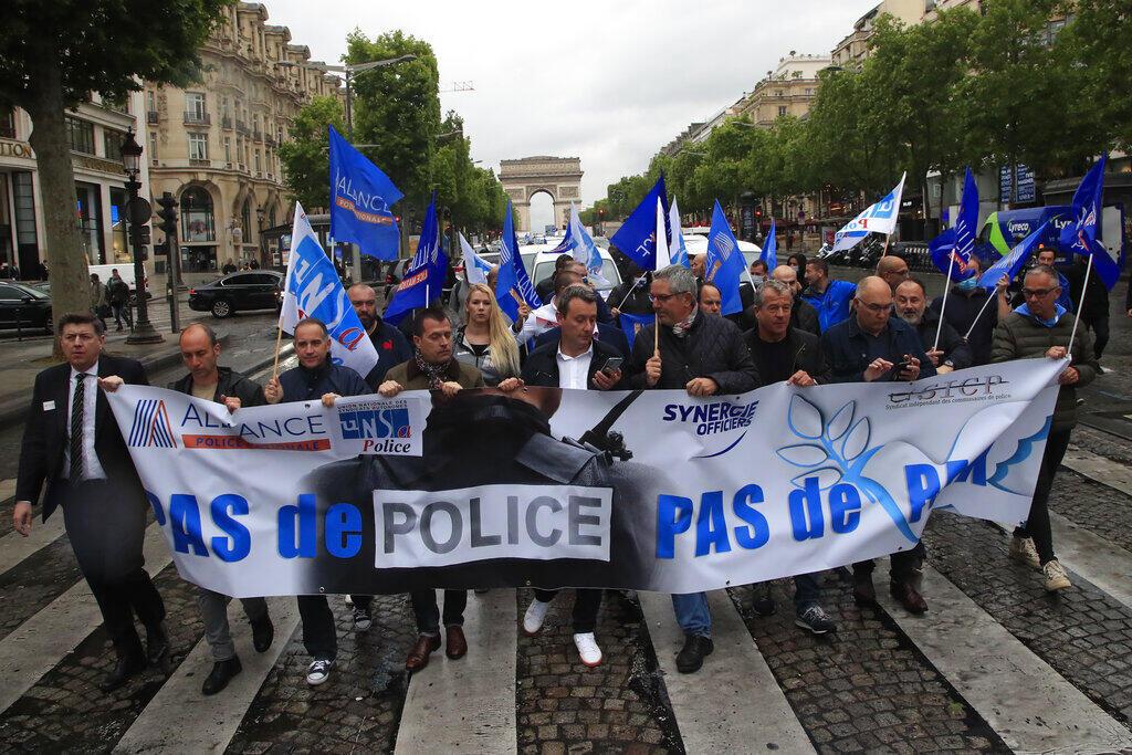 Manifestação Policial Paris AP20164306899281