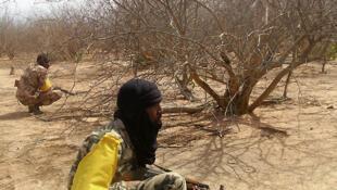 Soldats maliens en position dans la forêt de Wagadou, au nord-ouest du Mali.