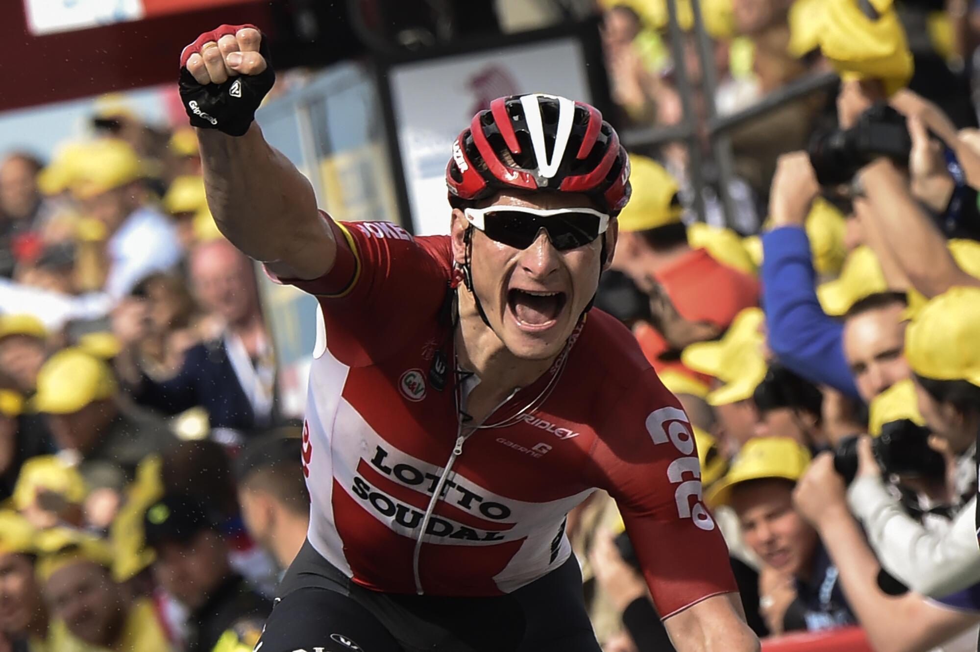André Greipel, ici le 5 juillet 2015, lors de la 2e étape du Tour de France 2015 entre Utrecht et Zélande.