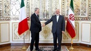 پاثولو جنتیلونی، وزیر امور خارجه ایتالیا، با محمدجواد ظریف، وزیر امور خارجه جمهوری اسلامی در تهران دیدار کرد.  سه شنبه ١٣ مرداد/ ۴ اوت ٢٠١۵