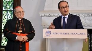 De visita en Cuba, el presidente francés François Hollande entregó este lunes la Legión de Honor al cardenal Jaime Ortega por su papel de mediador en favor de la liberación de presos políticos.