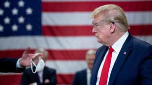 El gobierno estadounidense defiende el uso de mascarillas para frenar la propagación del coronavirus, pero el presidente Donald Trump se niega a llevar tapabocas