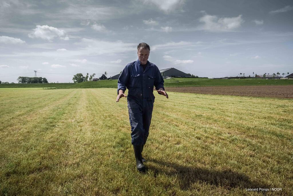 Un agriculteur néerlandais qui cultive sous le niveau de la mer.