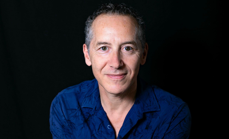 Olivier Rogez est l'auteur de trois romans. «Là où naissent les prophètes», son troisième roman est paru cet automne aux éditions Le Passage. (2021).