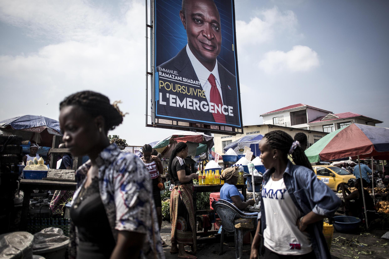 Picha ya mgombea wa upinzani Emmanuel Ramazani Shadary, mjini Kinshasa, wakati wa kampeni za uchaguzi wa DRC 18 desember 2018.
