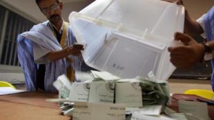 Opération de vote en Mauritanie en 2007 (image d'illustration).