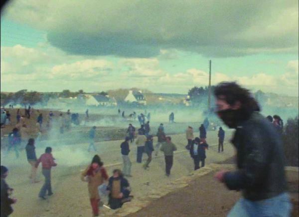 Bataille rangée sur la lande du Cap Sizun entre habitants de Plogoff et gardes mobiles, Plogoff, février 1980.