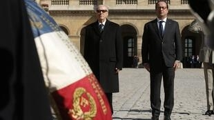 French President François Hollande and his Tunisian counterpart Beji Caid Essebsi visit the Invalides palace in Paris, 7 April 2015