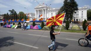 Les opposants au Premier ministre Nikola Gruevski ont érigé une centaine de tentes aux abords du siège du gouvernement.
