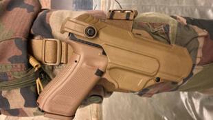 Le nouveau pistolet automatique - Glock 17