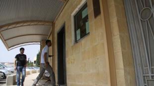 Tous les jours, des dizaines de candidats viennent déposer leur demande de visa à l'Ambassade du Qatar à Amman.
