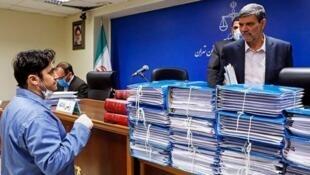 سخنگوی قوه قضائیه ایران روز سهشنبه ۱۰ تیر/ ۳۰ ژوئن از صدور حکم اعدام روحالله زم، مدیر کانال تلگرامی آمدنیوز خبر داد و گفت این حکم غیرقطعی و قابل فرجامخواهی در دیوان عالی کشور است