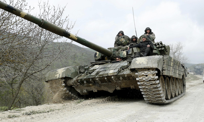 Солдаты сил Нагорного Карабаха 6 апреля 2016