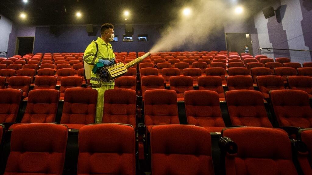 Coronavirus en Chine: les salles de cinéma rouvrent avec des mesures drastiques