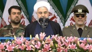 حسن روحانی در مراسم روز ارتش در تهران: آمریکا از سپاه پاسداران، از همه نیروهای مردمی منطقه عصبانی است.