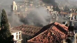 Capture d'écran d'une vidéo Youtube montrant la ville de Homs après un bombardement, le 11 juin 2012.