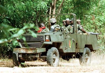 Une patrouille de l'armée sénégalaise en Casamance.