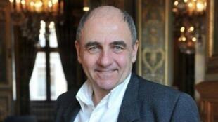 l'adjoint au maire de Paris, Jean-Louis Missika.
