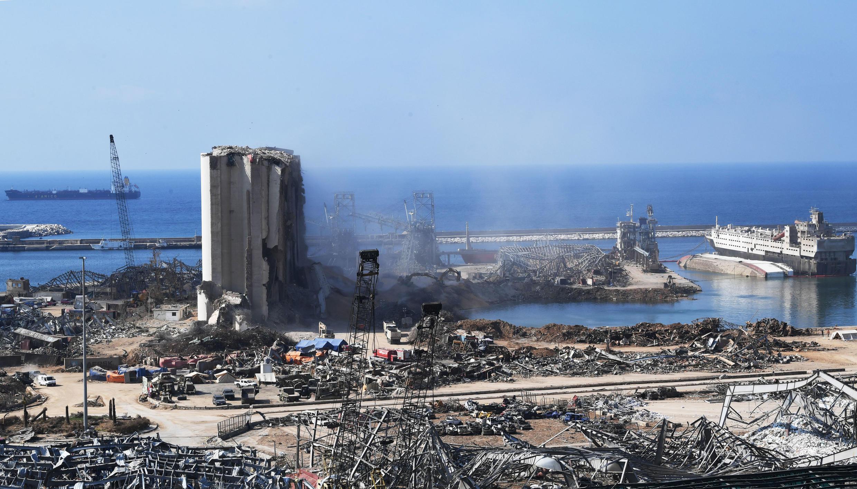 Imagem do porto de Beirute depois da explosão