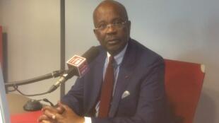 Casimir Oyé Mba, candidat à la présidentielle gabonaise, le 16 juin 2016 sur RFI.