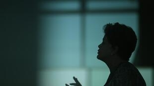 Reeleita, a presidenta Dilma Rousseff diz que reforma política será uma prioridade.