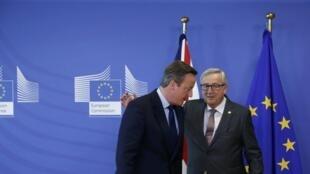 Firaministan Birtaniya David Cameron da shugaban hukumar tarayyar Turai Jean-Claude Juncker a birnin Brussels na kasar Belgium.