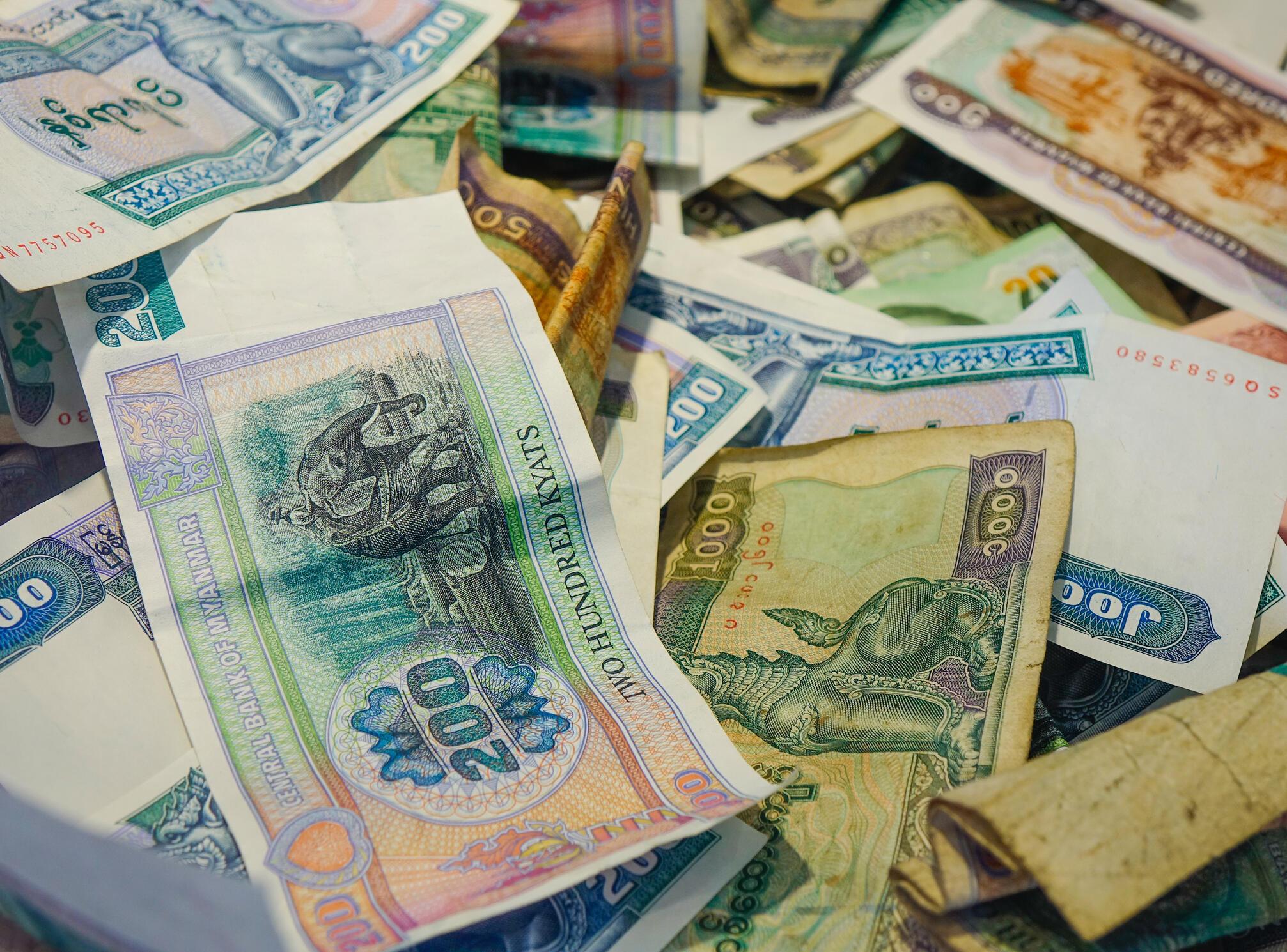 Birmanie - argent - Kyats - iStock-1164904462