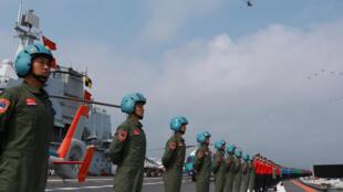 Quân đội Trung Quốc tập trận trên Biển Đông ngày 12/04/2018.