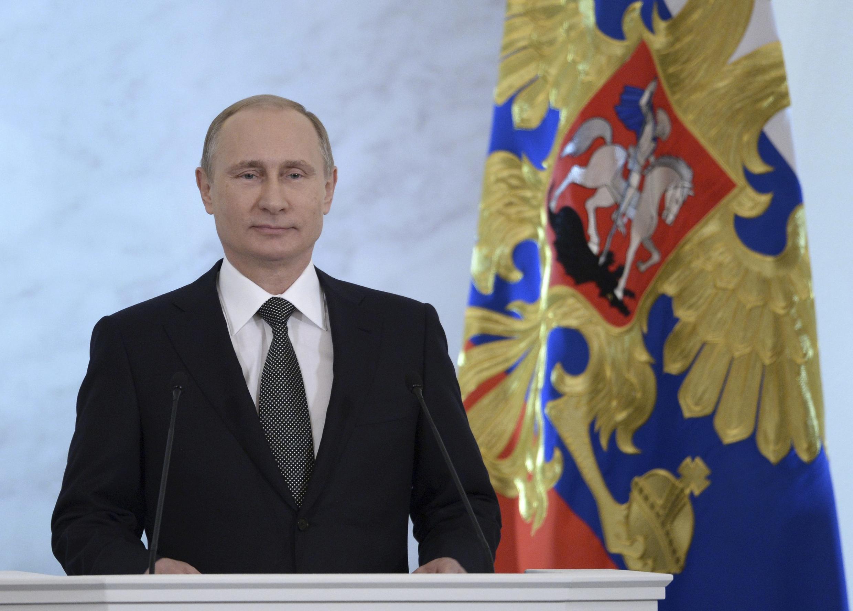 Le président Vladimir Poutine justifie point par point la politique de son gouvernement, au Parlement. Moscou, le 4 décembre 2014.