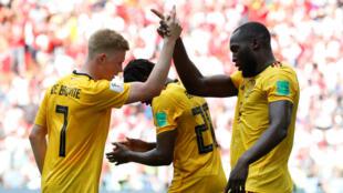 Les Belges Kevin De Bruyne et Romelu Lukaku lors de la rencontre face à la Tunisie, 23 juin 2018.