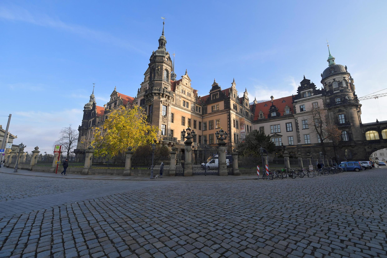 德國薩克森州德累斯頓綠穹珍寶館外觀。攝於2019年11月25日。該館11件價值連城的珠寶11月24日至25日夜間被竊走。