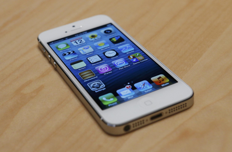 Tela maior, mais leve e mais fino, o iPhone 5 estará à venda em 100 países até o fim do ano.