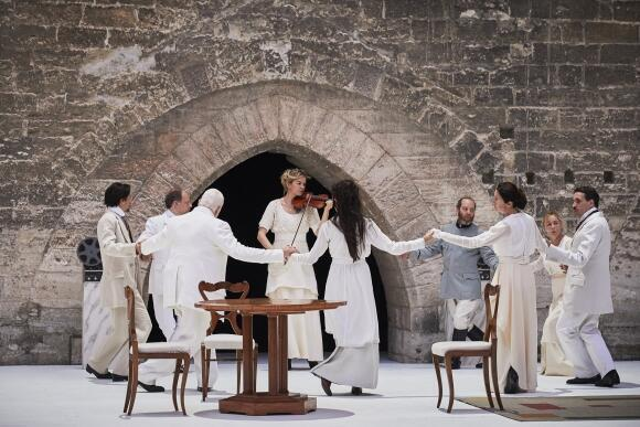 All together now. Humdrum personal issues tear a family apart in Pascal Rambert's 'Structure', Avignon Festival opening play, 4 July 2019