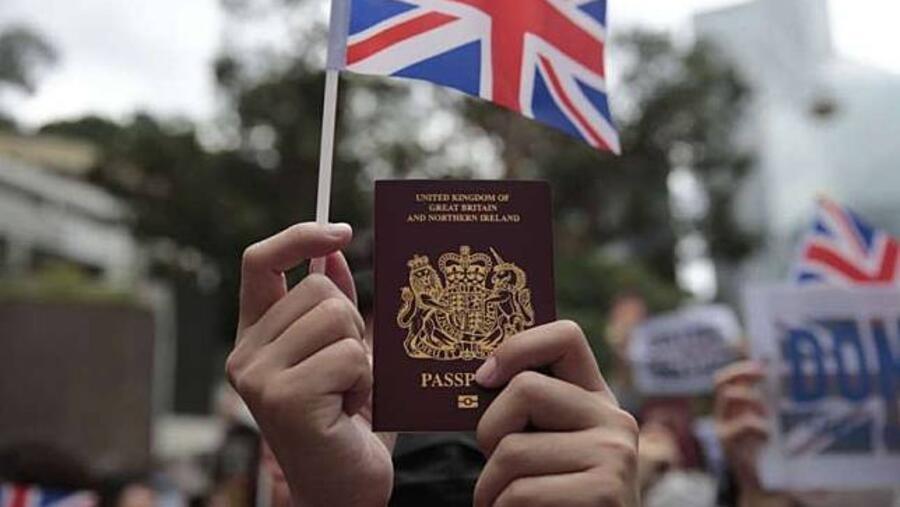 英国BNO特许入境将到期 港人纷纷离境机场爆满 英国BNO特许入境将到期 港人纷纷离境机场爆满