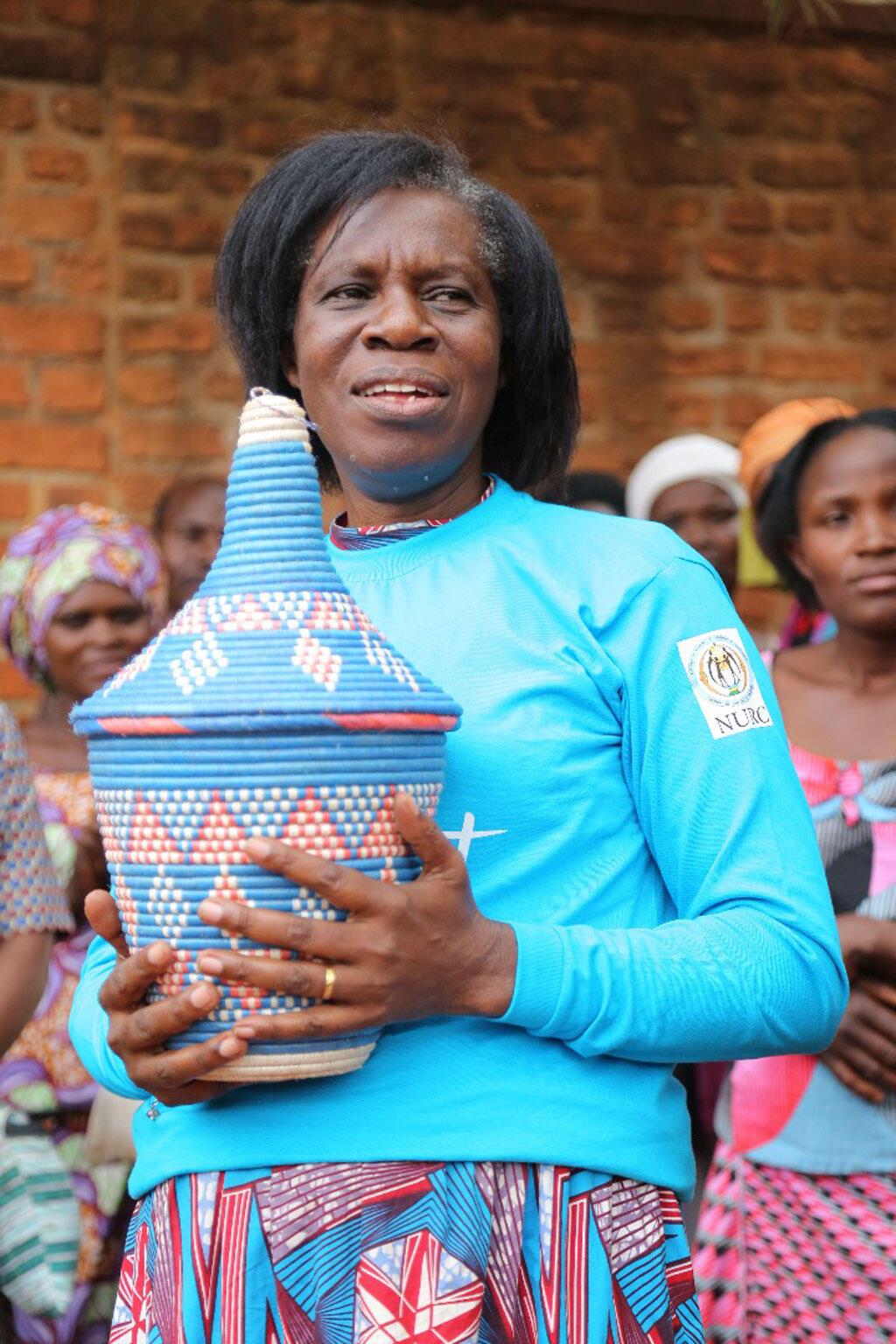 Godelieve Mukasarasi à la tête de l'association SEVOTA pour aider les femmes violées et les enfants nés du génocide.