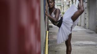 A bailarina brasileira Ingrid Silva.