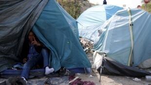 Мигранты из Эритреи в Кале на севере Франции