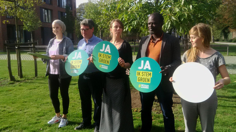 Les candidats du parti écologiste, dont la jeune Yasmia Atta (à gauche), à Anvers.