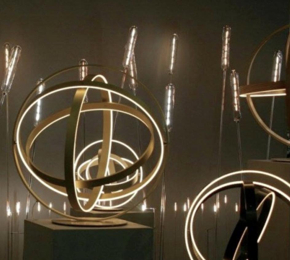Дизайнер Анри Бюрстин работает со светом как скульптор с материей. Салон Maison & Objet 2016.