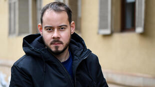 "Spanish rapper Pablo Hasel efuses to turn himself into prison for his tweets, saying: ""they'll just have to come and kidnap me"""
