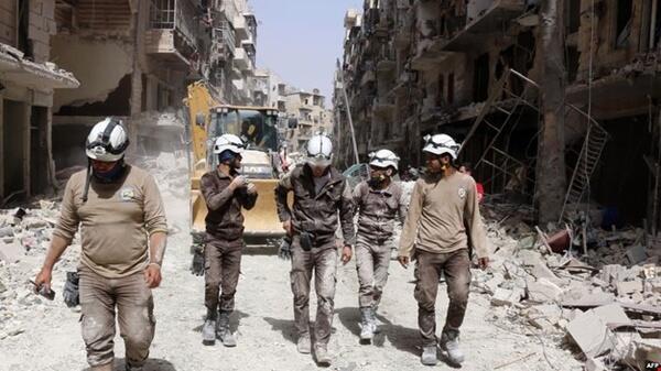 دفاع غیرنظامی سوریه که با نام کلاه سفیدها نیز شناخته میشود، سازمانی برای حمایت و نجات جان شهروندان این کشور است.