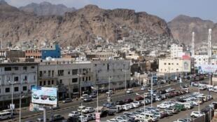 عدن پایتخت موقت یمن،  طی ماههای اخیر، با شورش و اعتراض مخالفان دولت مواجه شده است.