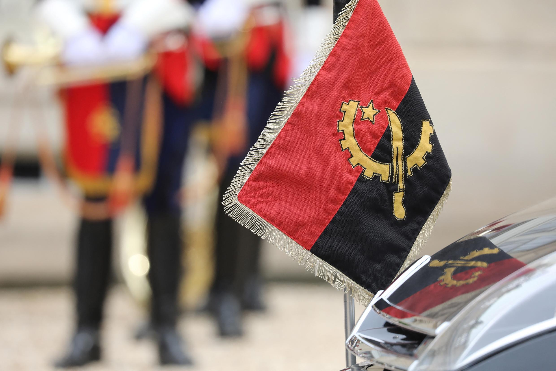Angola - Bandeira - País - Política - Angolano