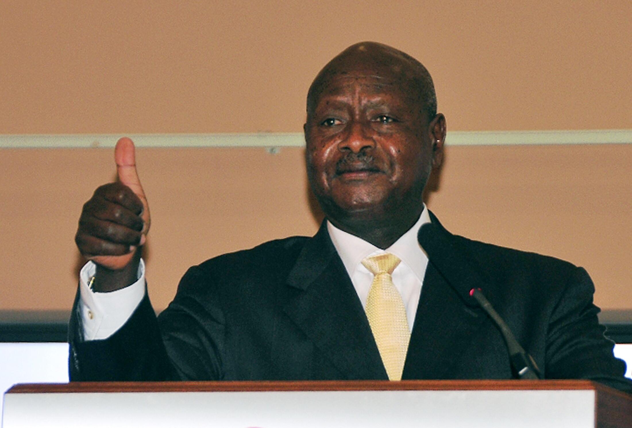 Rais wa Uganda Yoweri Kaguta Museveni, akilihutubia taifa.