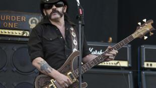 Lemmy Kilmister, leader du groupe Motörhead, sur la scène du Pinkpop Festival de Landgraaf, le 28 mai 2010.